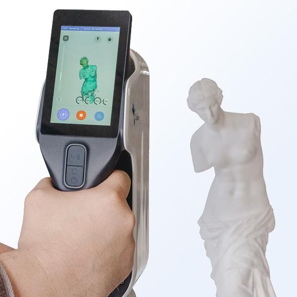 Scansione 3D a luce strutturata di una statua con V-GER